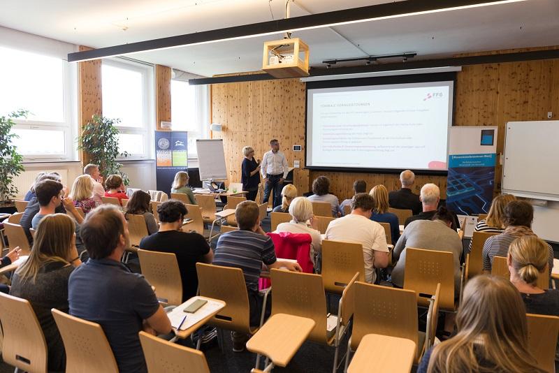 Silvia Laimgruber und Markus Pröll-Schobel von der FFG sprachen zum Thema Spin-Off Fellowships.